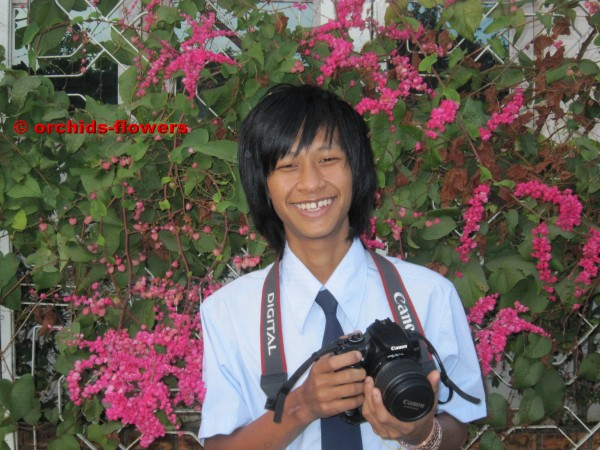 young-flower-photographer-chocolate